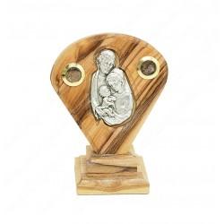 Изображение Святого Семейства в окладе из оливкового дерева