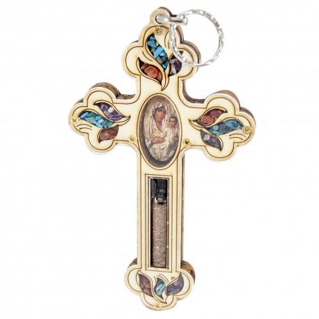 Деревянный крест со Святой землей