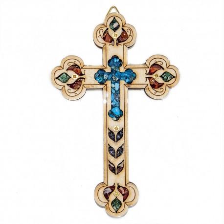 Деревянный крест с натуральными камнями